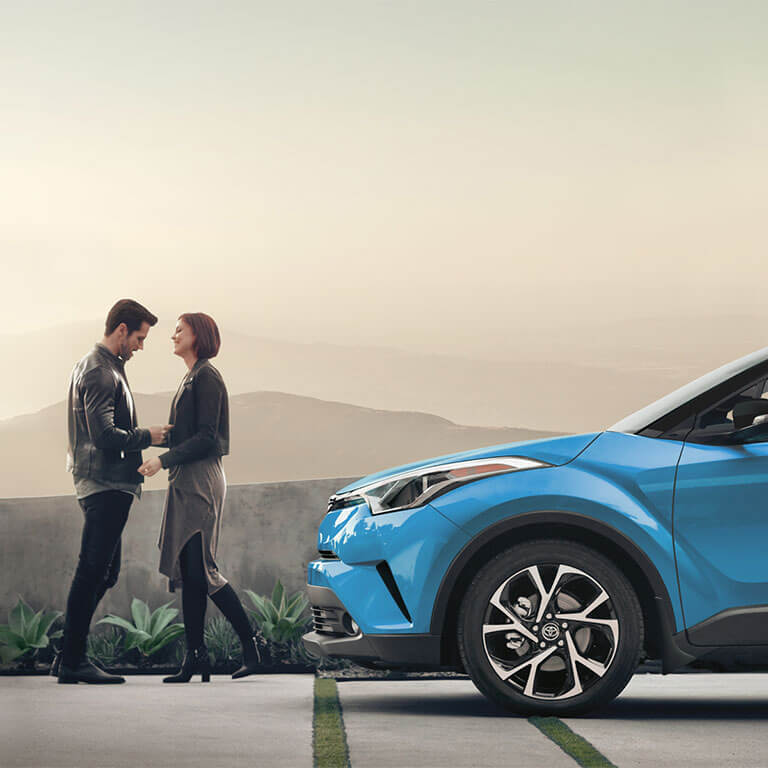 Photo showing exterior of the 2019 Toyota C-HR at Heninger Toyota