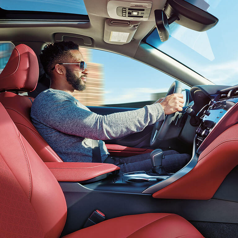 Photo showing interior of the 2019 Toyota Camry at Heninger Toyota