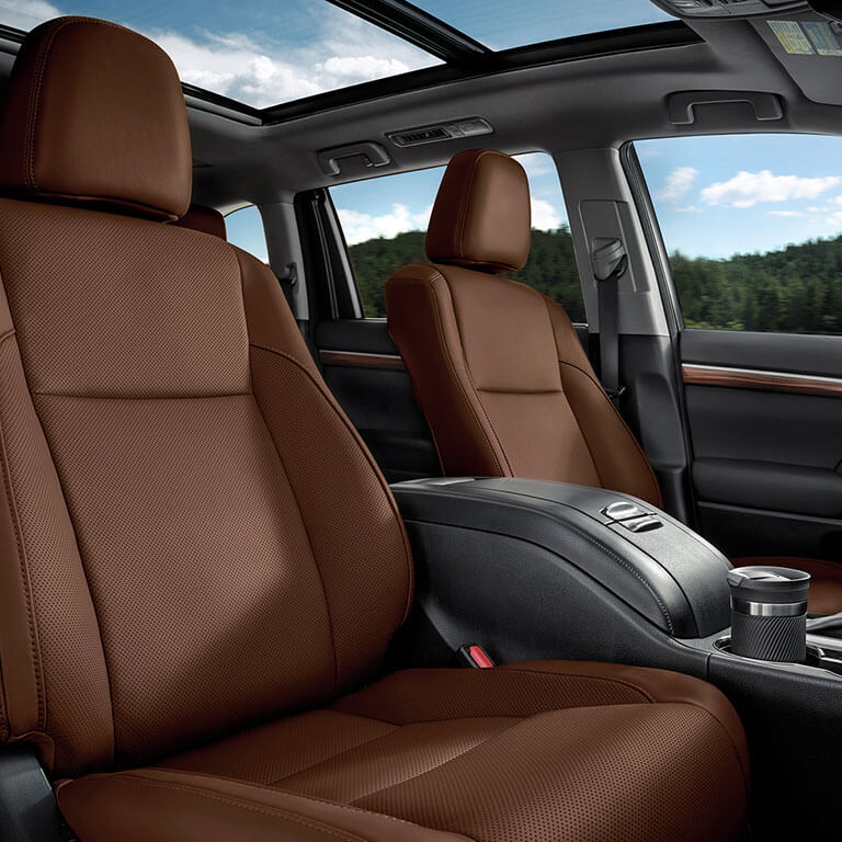 Photo showing interior of the 2019 Toyota Highlander at Heninger Toyota