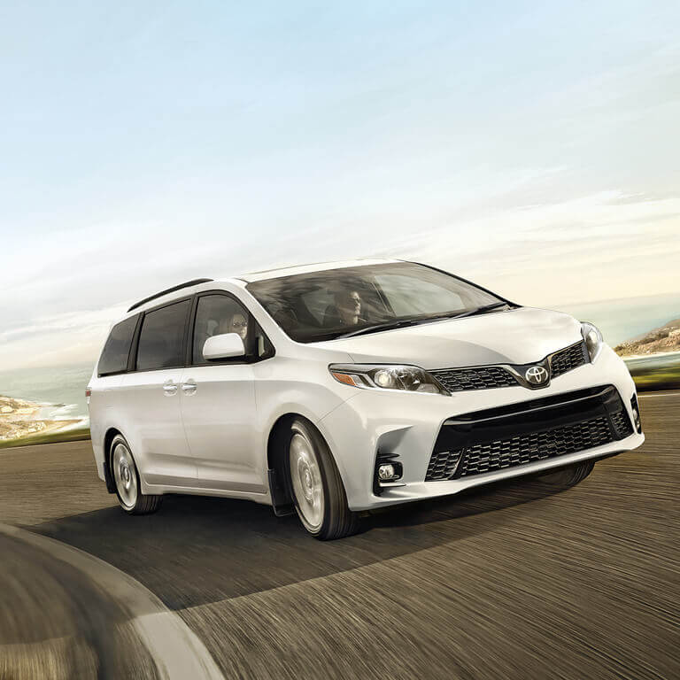 Photo showing exterior of the 2019 Toyota Sienna at Heninger Toyota