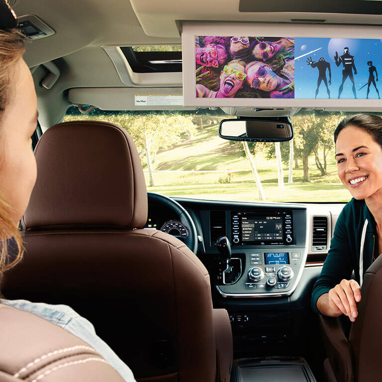 Photo showing interior of the 2019 Toyota Sienna at Heninger Toyota